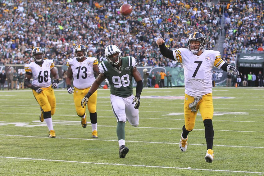 NY Jets Crushed by Pittsburgh Steelers Balanced Attacks 31-13